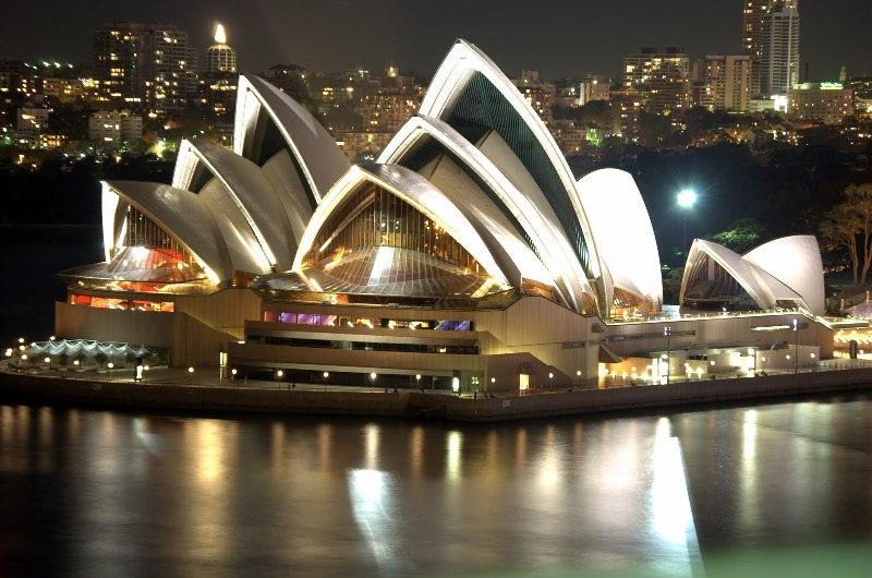 http://image.nauka.bg/kul/opera/Sydney_Opera_House_Night.jpg