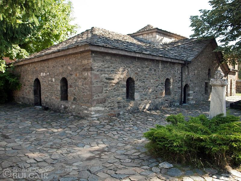 http://image.nauka.bg/kul/pametnici/Petq.Dybarova/_8138452.jpg